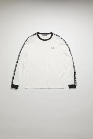 Acne Studios  FA-UX-TSHI000047 Optisches Weiß  T-Shirt mit Logo-Streifen und langen Ärmeln grau