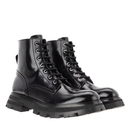 Alexander McQueen  Boots & Stiefeletten - Wander Boots Leather - in schwarz - für Damen