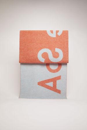 Acne Studios  Toronty Logo Orange/Azurblau  Jacquard-Schal mit Logo grau