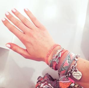Armband im Sommer-Style