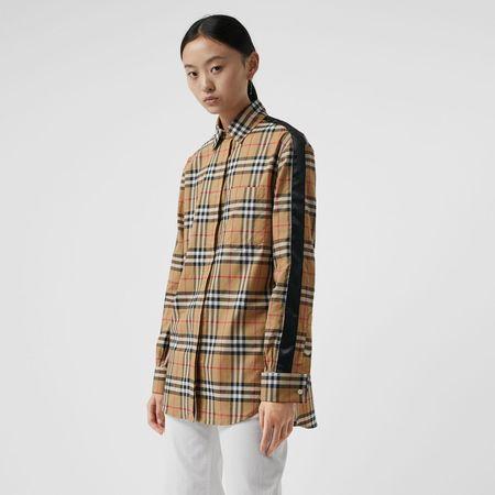 Burberry  Bluse mit Vintage Check-Muster und Satinstreifen