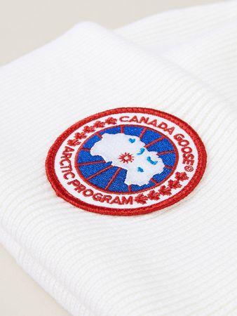 Canada Goose  - Strickmütze mit Logo-Patch Weiß