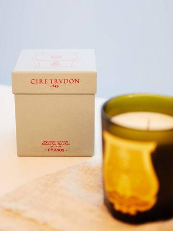 Cire Trudon  - Duftkerze 'Cyrnos' im Glasbehälter Grün