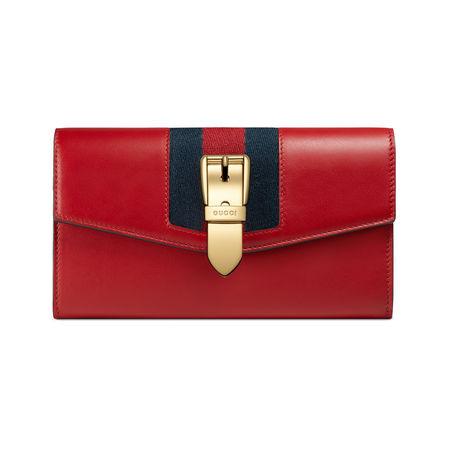 Gucci Lange Sylvie Brieftasche aus Leder rot