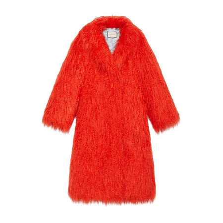Gucci Mantel aus Kunstfell rot