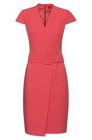 HUGO BOSS Kleid in Wickeloptik mit Flügelärmeln und Oversize-Gürtel rot