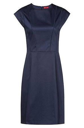 HUGO BOSS Kleid mit Flügelärmeln und Biesen am Top grau