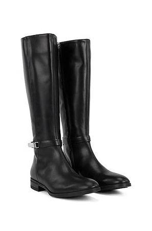 HUGO BOSS Kniehohe Boots aus italienischem Leder mit charakteristischen Metalldetails schwarz