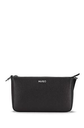HUGO BOSS Mini Bag aus italienischem Saffiano-Leder mit verstellbarem Schulterriemen grau