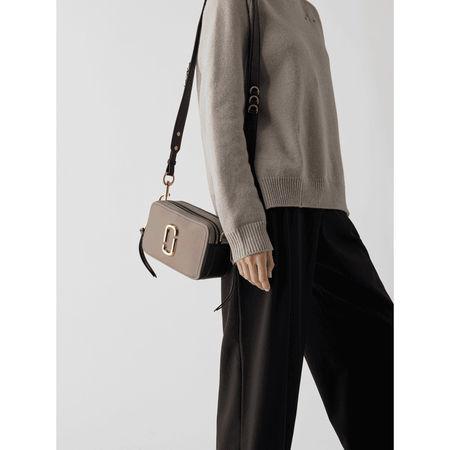 Marc Jacobs Handtasche mit Logo-Applikation