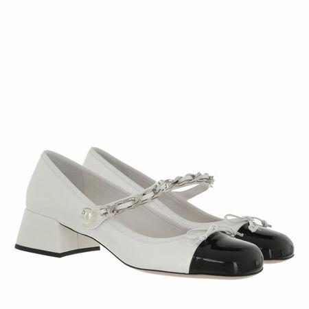 Miu Miu  Pumps & High Heels - Naplak Pumps Leather - in white - für Damen