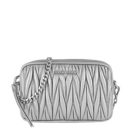 Miu Miu  Umhängetasche  -  Matelasse Crossbody Leather Cromo  - in silber  -  Umhängetasche für Damen grau