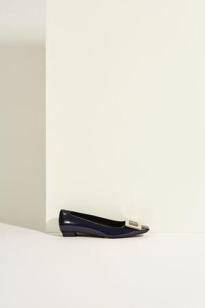 Roger Vivier  - Lackleder-Flat 'Belle Vivier' mit Schnalle Marineblau