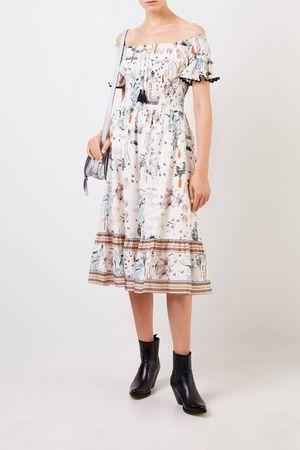 Tory Burch  - Langes Kleid mit gesmokter Taille Multi- Kleid in Multi - Carmen-Ausschnitt - Binde-Detail - Gesmokte Taillie - Ausgestellter Rock - Oberhalb der Knöchelhöhe endend Matreial: - 100% Baumwolle Größe des Models: 180 cm braun