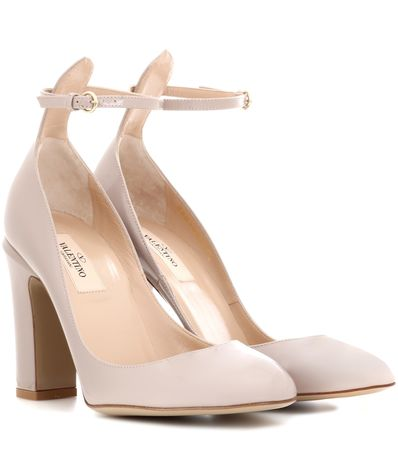 Valentino  Garavani Pumps Tan-Go aus Lackleder orange