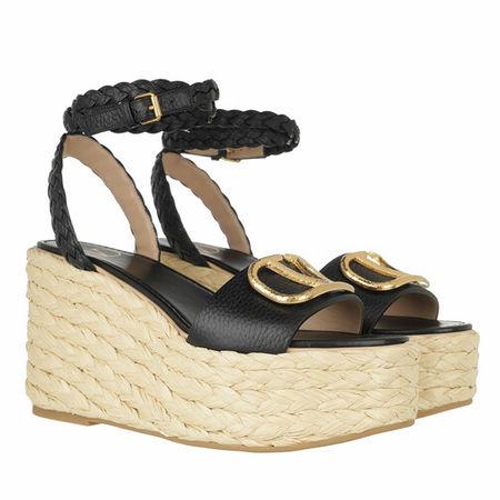 Valentino Garavani  Sandalen & Sandaletten - Signature Logo Wedge Espadrille Leather - in black - für Damen