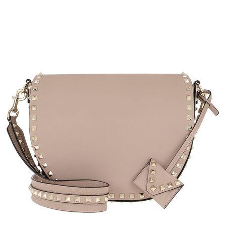 Valentino  Umhängetasche  -  Rockstud Saddle Crossbody Bag Poudre  - in beige  -  Umhängetasche für Damen braun