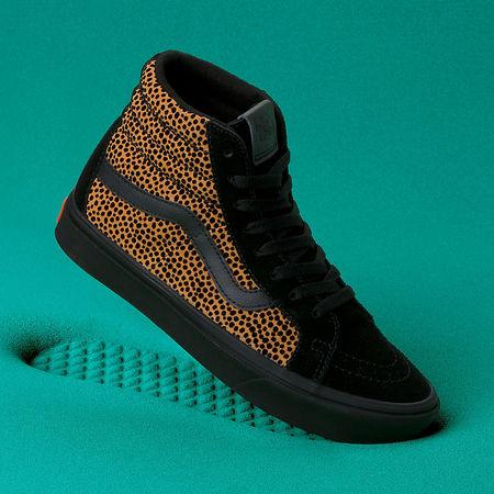 Vans  Tiny Cheetah Comfycush Sk8-hi Reissue Schuhe ((tiny Cheetah) Black) Damen Schwarz, Größe 34.5 tuerkis